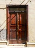 αρχαία πόρτα ξύλινη Στοκ φωτογραφίες με δικαίωμα ελεύθερης χρήσης
