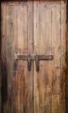αρχαία πόρτα ξύλινη Στοκ Φωτογραφία
