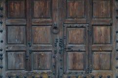 αρχαία πόρτα ξύλινη Στοκ Φωτογραφίες