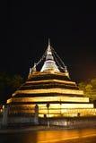 Αρχαία ταϊλανδική παγόδα νύχτας Στοκ Εικόνα