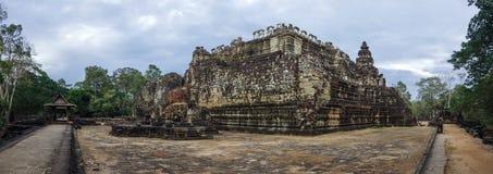 Αρχαία Khmer αρχιτεκτονική Άποψη πανοράματος του ναού Baphuon Στοκ εικόνες με δικαίωμα ελεύθερης χρήσης