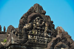 Αρχαία Khmer γλυπτική στον ινδό ναό Banteay Samre Στοκ Εικόνες