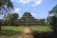 αρχαία khmer πυραμίδα στοκ εικόνες