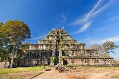 αρχαία khmer koh της Καμπότζης kher πυραμίδα Στοκ Φωτογραφία