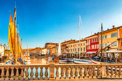 αρχαία sailboats στον ιταλικό λιμένα καναλιών Στοκ Εικόνες