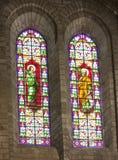 Αρχαία stained-glass παράθυρα στον καθεδρικό ναό στην πόλη Beziers στοκ εικόνα με δικαίωμα ελεύθερης χρήσης