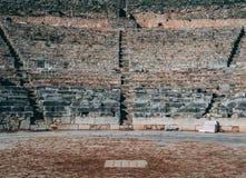 Αρχαίες καταστροφές αμφιθεάτρων πετρών ελληνικές στοκ φωτογραφίες