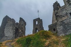 Αρχαίες καταστροφές κάστρων σε ένα ουγγρικό βουνό Somlo Στοκ φωτογραφίες με δικαίωμα ελεύθερης χρήσης
