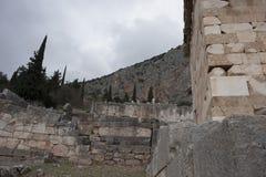 αρχαίες καταστροφές μουσείων των Δελφών Ελλάδα Ελλάδα Στοκ Εικόνα