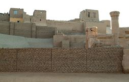 Αρχαίες καταστροφές στο ναό του Θεού Horus στο νησί Edfu χωρίς ανθρώπους, Αίγυπτος στοκ εικόνα με δικαίωμα ελεύθερης χρήσης