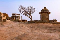 Αρχαίες καταστροφές των ινδικών ναών σε Hampi, Ινδία στοκ φωτογραφία με δικαίωμα ελεύθερης χρήσης