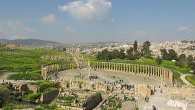 Αρχαίες καταστροφές Jerash, ταξίδι της Ιορδανίας, τουρίστες απόθεμα βίντεο