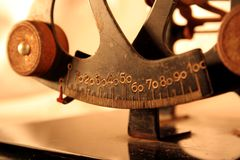 Αρχαίες κλίμακες ισορροπίας Στοκ εικόνα με δικαίωμα ελεύθερης χρήσης