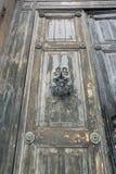 Αρχαίες ξύλινες πόρτες στοκ εικόνα με δικαίωμα ελεύθερης χρήσης