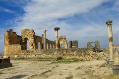 Αρχαίες πόλης καταστροφές, αψίδα και στήλες Volubilis Στοκ Φωτογραφίες