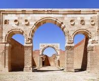Αρχαίες ρωμαϊκές καταστροφές αψίδων στο παλάτι Qasr Al-Mshatta Umayyad στην Ιορδανία Στοκ Φωτογραφία