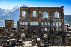 Αρχαίες ρωμαϊκές καταστροφές στην πόλη Aosta, Ιταλία Στοκ Εικόνες