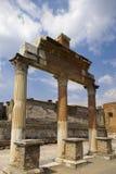 αρχαίες στήλες Ρωμαίος Στοκ εικόνες με δικαίωμα ελεύθερης χρήσης