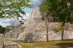Αρχαίες των Μάγια δομές στο αρχαιολογικό πάρκο Edzna στο έκκεντρο Στοκ Εικόνες