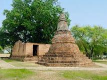Αρχαίοι ναός και chedi τούβλου σε Wat KhunInthapramun Στοκ Εικόνα