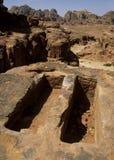 αρχαίοι τάφοι PETRA Στοκ εικόνα με δικαίωμα ελεύθερης χρήσης