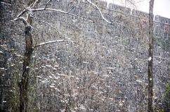Αρχαίοι τοίχοι στη χιονοθύελλα Στοκ φωτογραφία με δικαίωμα ελεύθερης χρήσης