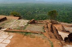Αρχαίος βράχος Sigiriya στη Σρι Λάνκα στοκ φωτογραφία με δικαίωμα ελεύθερης χρήσης