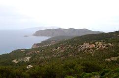 αρχαίος ηλιόλουστος τοίχος της Ρόδου τοπίων της Ελλάδας ημέρας πόλεων Όμορφες απόψεις Θάλασσα και βουνό στοκ εικόνες