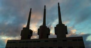 Αρχαίος θερμικός σταθμός παραγωγής ηλεκτρικού ρεύματος σε Sant Adria, επαρχία της Βαρκελώνης   απόθεμα βίντεο