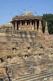 αρχαίος ινδός ναός modhera της Ινδίας στοκ εικόνα με δικαίωμα ελεύθερης χρήσης