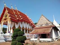 Αρχαίος και νέος ταϊλανδικός ναός εκκλησιών Στοκ φωτογραφία με δικαίωμα ελεύθερης χρήσης