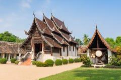 Αρχαίος και προεξέχων ναός Kwen τόνου Wat σε Chiang Mai Στοκ εικόνες με δικαίωμα ελεύθερης χρήσης