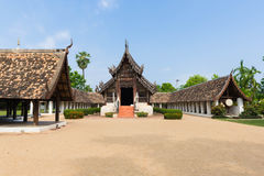 Αρχαίος και προεξέχων ναός Kwen τόνου Wat σε Chiang Mai Στοκ Φωτογραφίες