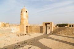 Αρχαίος παλαιός Άραβας που στολίζει με μαργαριτάρια και πόλης Al Jumail, Qat αλιείας στοκ εικόνα