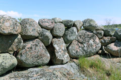 Αρχαίος πετρώδης φράκτης στοκ εικόνα με δικαίωμα ελεύθερης χρήσης