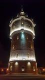 Αρχαίος πύργος νερού τή νύχτα Στοκ Εικόνες