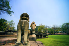 Αρχαίος στο ιστορικό πάρκο Phimai, Ταϊλάνδη Στοκ Εικόνα