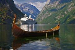 αρχαίος σύγχρονος Στοκ φωτογραφίες με δικαίωμα ελεύθερης χρήσης
