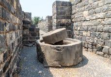 Αρχαίος Τύπος πετρελαίου στις καταστροφές Kursi - ένα μεγάλο βυζαντινό μοναστήρι 8ος-αιώνα στο οποίο ο Ιησούς Χριστός εκτέλεσε τα στοκ εικόνες
