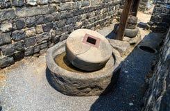 Αρχαίος Τύπος πετρελαίου στις καταστροφές Kursi - ένα μεγάλο βυζαντινό μοναστήρι 8ος-αιώνα στο οποίο ο Ιησούς Χριστός εκτέλεσε τα στοκ φωτογραφία