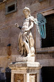 Αρχαίο άγαλμα ενός αγγέλου σε Castel Sant ` Angelo στη Ρώμη στοκ εικόνες
