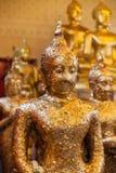 Αρχαίο άγαλμα του Βούδα σωματείου σε έναν ταϊλανδικό ναό Στοκ Εικόνες