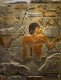 Αρχαίο αιγυπτιακό χρωματισμένο πάγωμα πετρών ανακούφισης Στοκ Φωτογραφία