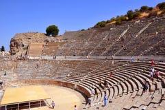 Αρχαίο αμφιθέατρο πόλεων Ephesus στο Ιζμίρ στοκ φωτογραφίες