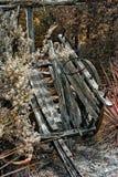 Αρχαίο αποσυντιθειμένος δίτροχο βαγόνι εμπορευμάτων Στοκ Φωτογραφίες