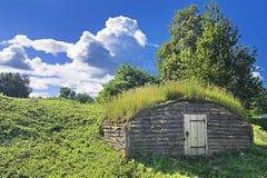 αρχαίο γήινο σπίτι Στοκ φωτογραφίες με δικαίωμα ελεύθερης χρήσης