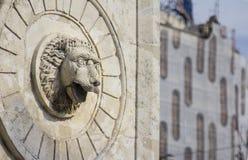 αρχαίο γλυπτό του κεφαλιού λιονταριών Στοκ Εικόνες