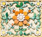 Αρχαίο γλυπτό λουλουδιών στοκ εικόνες