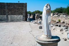 αρχαίο θέατρο αγαλμάτων σ&a Στοκ Εικόνες