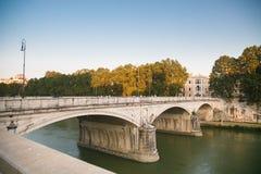 Αρχαίο καλοκαίρι τον Ιούλιο του 2015 γεφυρών της Ρώμης Στοκ Φωτογραφία